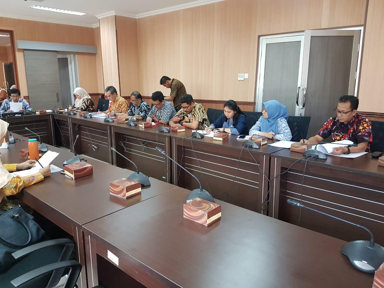 Preview RAPAT KERJA MEMBAHAS PROPEMPERDA TAHUN 2019 CAWU III. RABU, 02 OKTOBER 2019.