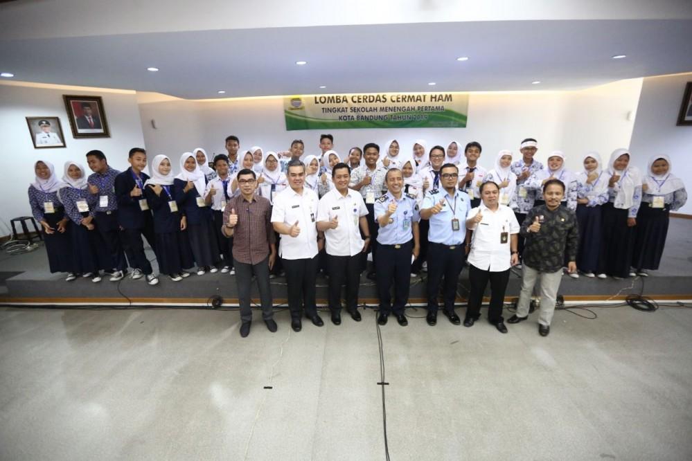 Preview KEGIATAN LOMBA CERDAS CERMAT HAM TINGKAT SMP KOTA BANDUNG TAHUN 2019. SELASA, 29 OKTOBER 2019.