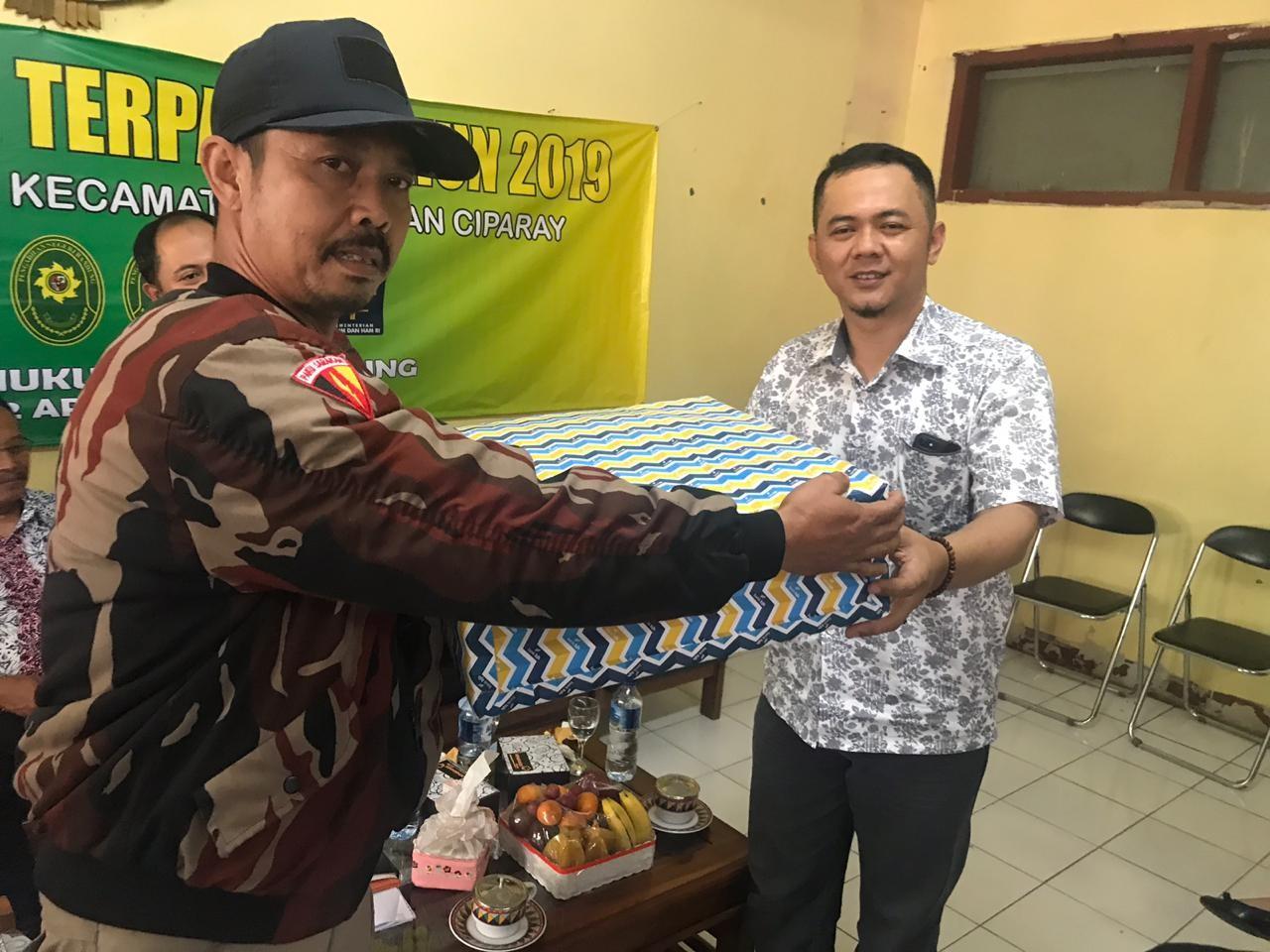 Preview PENYULUHAN HUKUM TERPADU PADA WARGA KELURAHAN CIRANGRANG, KOTA BANDUNG, 12 APRIL 2019